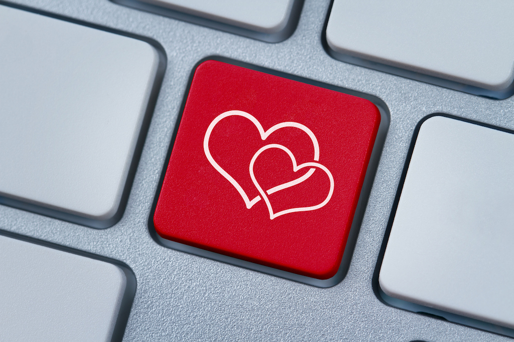Tech-Valentine-gift-her