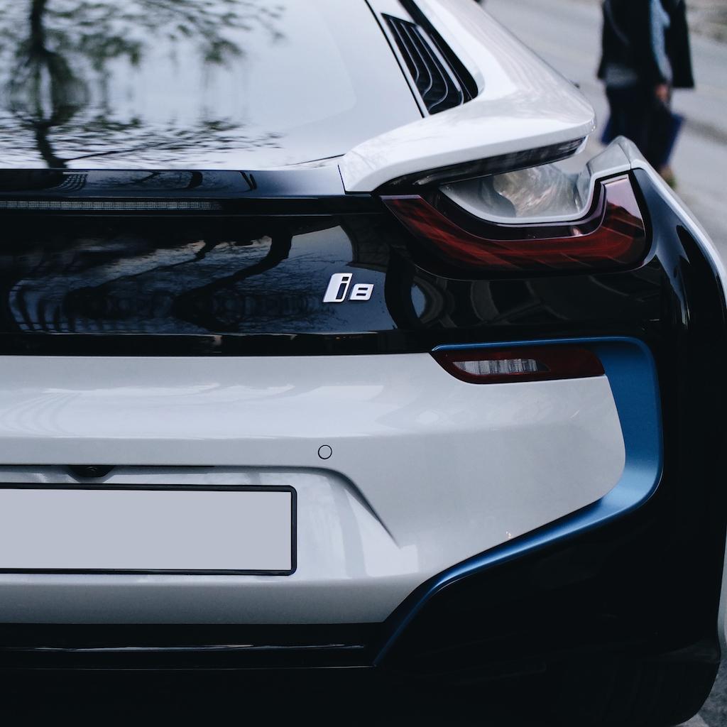 BMW-i8-Supercar-CES