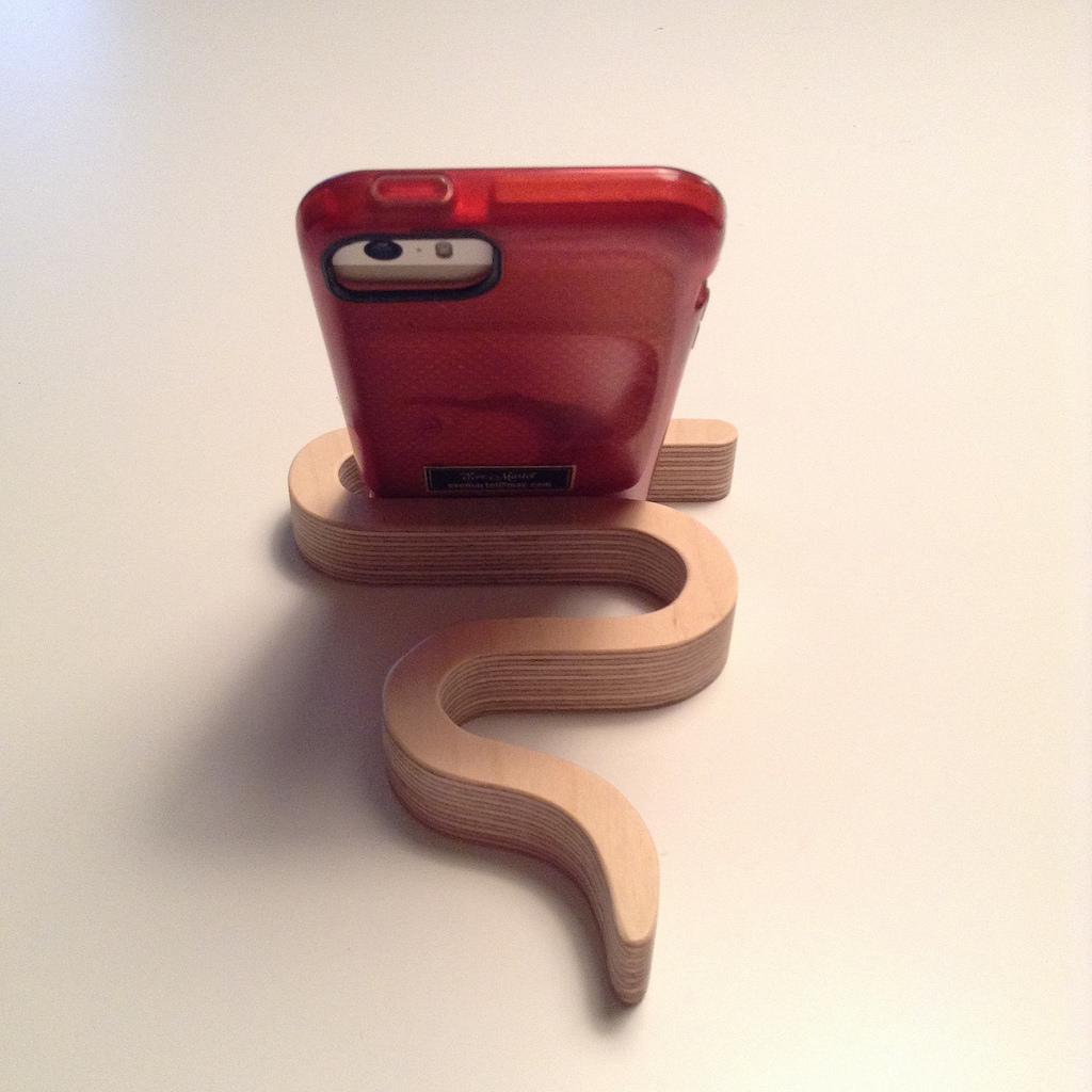 smartphone-holder-stand-Valentine-gift